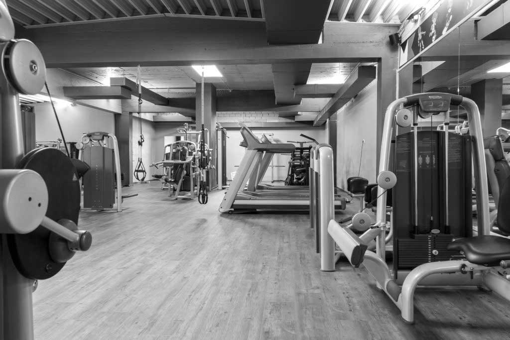 Laufband auf Trainingsfläsche im Fitnessstudo Kautz!